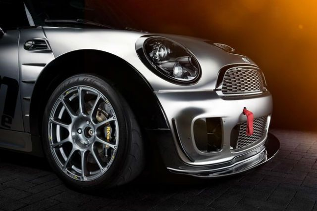 mini john cooper works systeme AP Racing