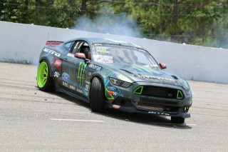 Vaughn-Gittin-Jr-Mustang-Week-2015-Ford-Mustang-RTR-Drift-Car-01